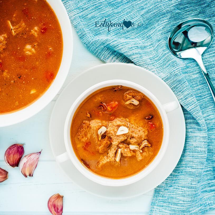 Receta de Sopa de ajo y tomate