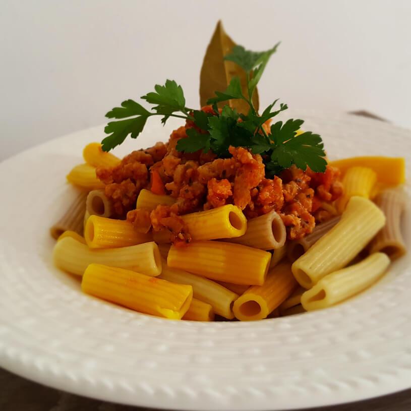 Receta de Macarrones multicereales con boloñesa veggie