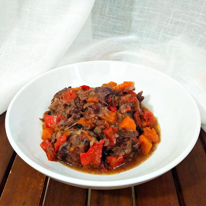 Receta de Rabo de toro al vino guisado con verduras