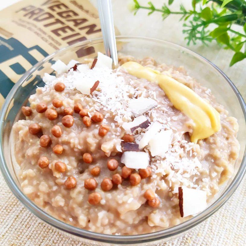 Receta de Gachas proteicas con coco deshidratado