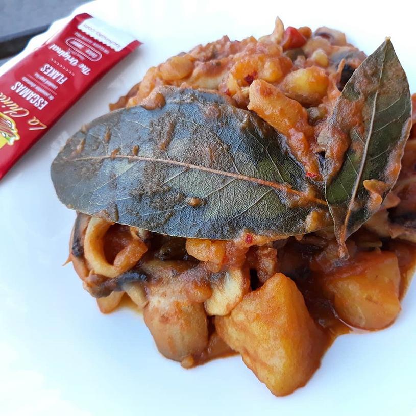 Receta de Guiso de patatas, sepia y calamar