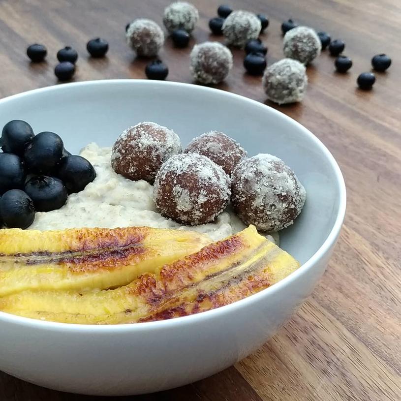 Receta de Porridge con energyballs de manzana