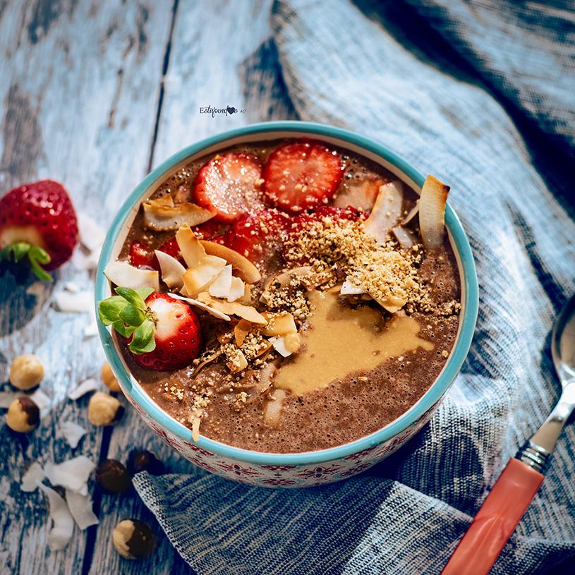Receta de Smoothie bowl de cacao y avellanas