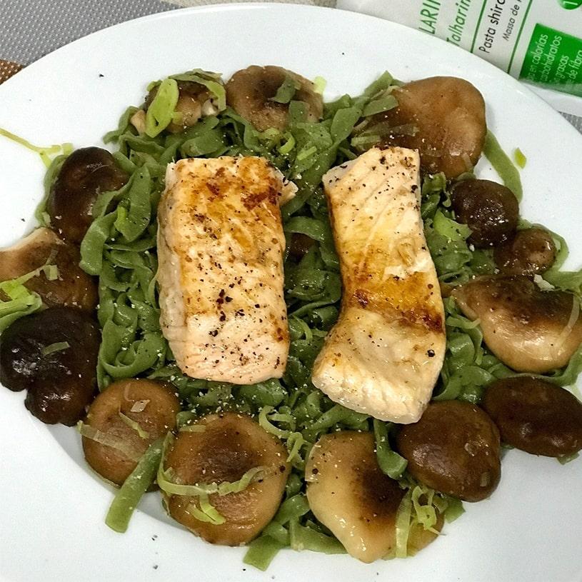 Receta de Tallarines de espinacas con salmón