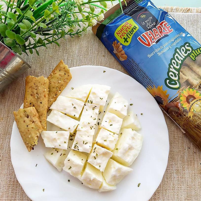 Receta de Tortilla de Claras & Barritas de Pan Crujientes
